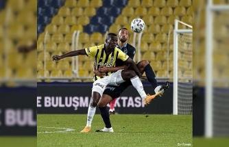 Süper Lig: Fenerbahçe: 0 - Trabzonspor: 0 (Maç devam ediyor)