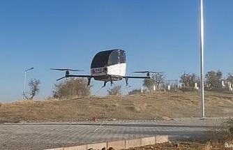 Hayalindeki 'uçan arabayı' uçurmayı başardı