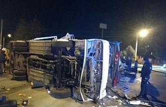 Tarım işçilerini taşıyan midibüs minibüs ile çarpıştı: 16 yaralı