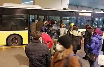 İstanbul'da metrobüs yoğunluğu