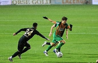 Karşılaşmanın ilk yarısı Ankara ekibinin 2-1'lık üstünlüğüyle sona erdi