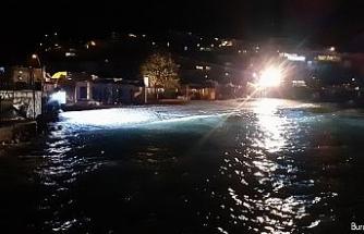 """""""Sefirin Kızı"""" dizi ekibi denize düşen 2 kişiyi kurtardı"""