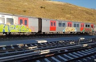 Başkent'te Rusya uyruklu iki genç tren vagonlarını boyarken yakalandı