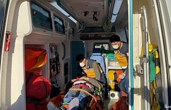 Pendik'te feci kaza: Freni boşalan otobüs tıra çarptı