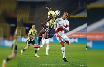 Süper Lig: Fenerbahçe: 0 - FTA Antalyaspor: 1 (İlk yarı)