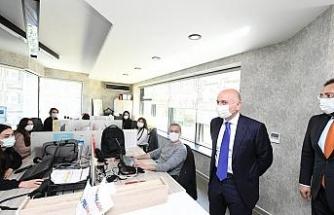 """Bakan Karaismailoğlu: """"Ocak 2021 sonu itibariyle 53 ülkeye e-ihracat gerçekleştiriyoruz"""""""