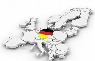 Almanya'da güvenlik kurumlarındaki ırkçı yapılanmaya karşı protesto