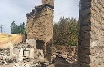 Kırgızistan-Tacikistan çatışmasında köylerini terk eden Kırgız halkı evlerine dönüyor