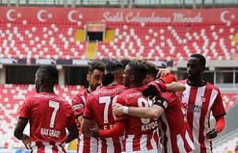 Sivasspor düşme hattından çıktı, Avrupa potasına girdi