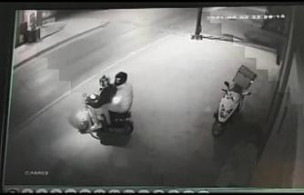 Ümraniye'de dakikalar içerisinde motosiklet hırsızlığı kamerada