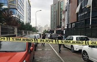 Ataşehir'de lüks araç içinde silahlı saldırıya uğrayan kadın hayatını kaybetti