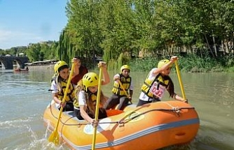 Dicle raftingle buluştu, tarihi köprüde heyacan dolu anlar yaşandı
