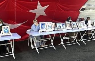 Evlat nöbetindeki anne, kaçırılan oğlu için HDP'yi işaret etti