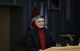 """Prof. Dr. Sancar gençlere seslendi: """"İnsanlığa faydalı olmak için araştırmalar yapın"""""""