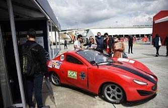 Üniversite öğrencilerinin ürettiği otomobiller TEKNOFEST'te sergileniyor