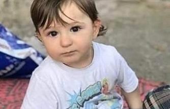 Aracını park etmek isterken 4 yaşındaki oğlunu ezdi