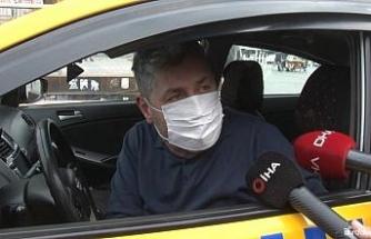 """İstanbul'da yolcu seçen taksi sürücüsü: """"Taksim Meydan'da 50 Euro'ya yolcu taşıyorlar"""""""