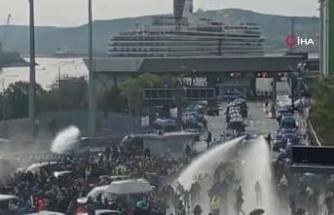 İtalya'da Covid-19 sertifikası karşıtı eylemler devam ediyor