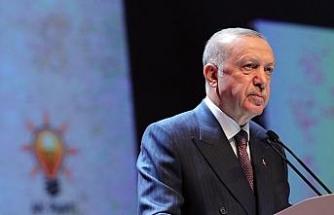"""""""Kadını ile erkeği ile 84 milyon omuz omuza büyük ve güçlü Türkiye'yi inşa etmekte kararlıyız"""""""