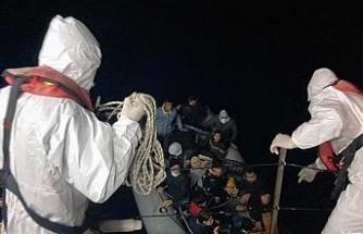 Marmaris açıklarında 21 düzensiz göçmen kurtarıldı