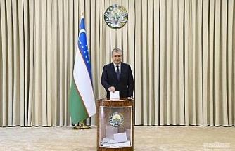 Özbekistan'da Mirziyoyev yeniden cumhurbaşkanı seçildi