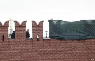 Şiddetli rüzgar Kremlin'in burcunu yıktı, Kızıl Meydan ziyarete kapatıldı