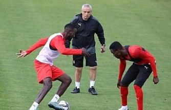 Sivasspor, Adana Demirspor maçına yoğun tempoda hazırlanıyor