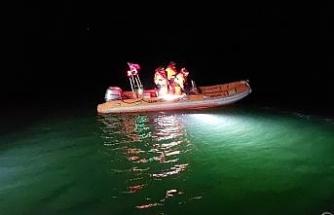 Tekirdağ'da alabora olan bottaki kayıp şahsı arama çalışmaları sürüyor