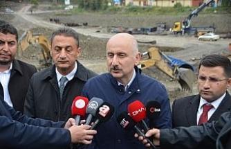 """Ulaştırma Bakanı Karaismailoğlu: """"Devlet ve millet olarak çok büyük işlerin üstesinden geldik"""""""