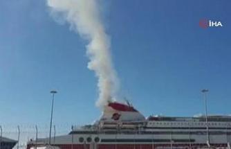 Yunanistan'da yolcu gemisinde yangın