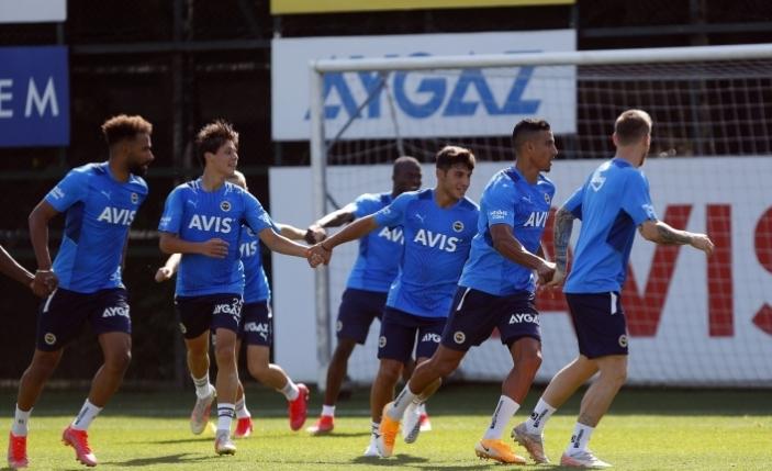 Fenerbahçe'de Zanka ve Samatta takımla birlikte çalıştı