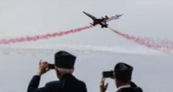 Türk Yıldızları'nın gösteri uçuşu büyüledi