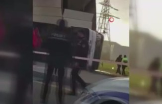 Azerbaycan'da kamyonun çarptığı otobüs devrildi: 5 ölü, 21 yaralı