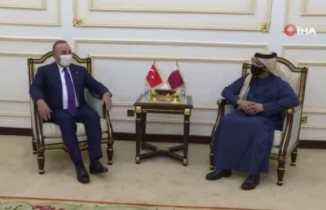 Bakan Çavuşoğlu, Katarlı mevkidaşı Abdurrahman Al Thani ile görüştü
