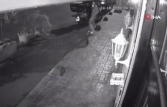 Beyoğlu'nda 20 saniyede motosiklet hırsızlığı kamerada