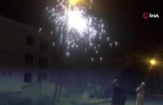 Bomba gibi patlayan elektrik telleri mahalleliyi korkuttu