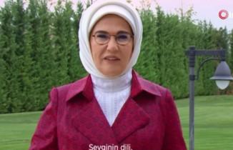 Emine Erdoğan'dan işaret dili paylaşımı