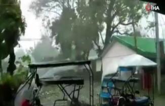 Filipinler'i Kammuri tayfunu vurdu: 1 ölü