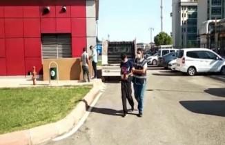 Hırsızlar önce kameraya sonra polise yakalandı