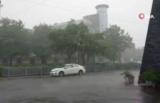 Japonya'da fırtına can aldı: 1 ölü, 49 yaralı
