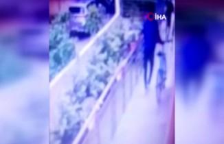 Kadıköy'de bisiklet hırsızı bekçiler tarafından yakalandı