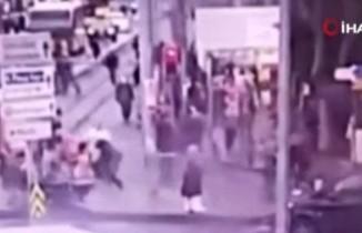 Kadıköy'de sokak ortasında işlenen vahşi cinayet kamerada