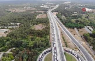 Kilometrelerce uzunlukta trafik oluştu