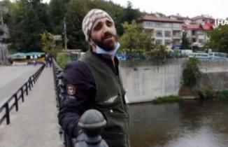 Köprüye çıkıp atlamak istedi, İHA muhabiri ikna etmeye çalıştı