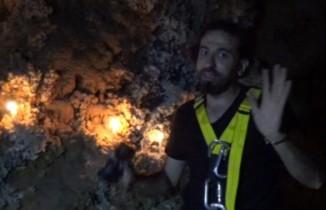 Mağarada mahsur kalan TV ekibi yaşadıklarını da görüntüledi
