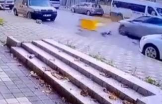 Maltepe'de motosiklet kazası kamerada