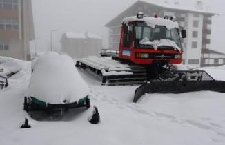 Mart sonunda Uludağ'da kar kalınlığı 32 santimetreye ulaştı