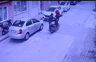 Motosiklet hırsızları kameraya yakalandı