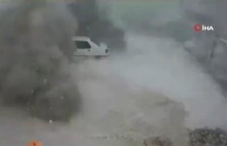 Nusaybin'e atılan havan topları güvenlik kamerasında