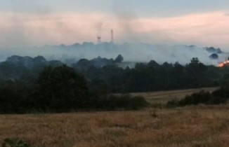 Orman yangınında üçüncü gün, alevler Türkiye'ye ilerliyor